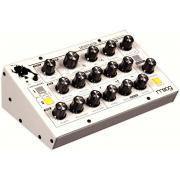 Moog Minitaur Wht Монофонический аналоговый басовый синтезатор